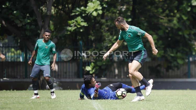 Spasojevic saat latihan bersama Timnas U-23 Copyright: © Herry Ibrahim/Indosport.com