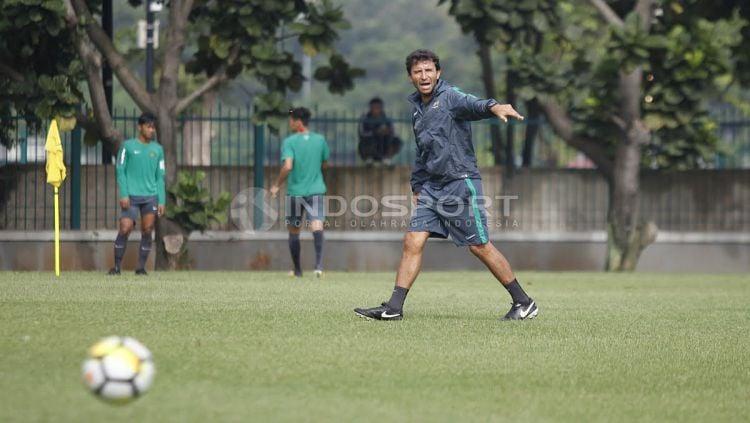 Luis Milla, pelatih Timnas U-23 Copyright: © Herry Ibrahim/Indosport.com