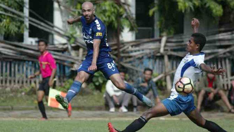 Bruno Silva tampil di pertandingan. Copyright: © Jawa Pos