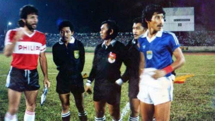 Persib Bandung vs PSV Eindhoven di Stadion Siliwangi, Bandung tahun 1987. Copyright: © Riki Mahenra