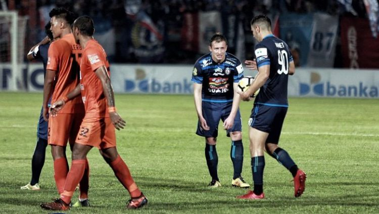 Arema FC vs Borneo FC Copyright: © Twitter@AremafcOfficial