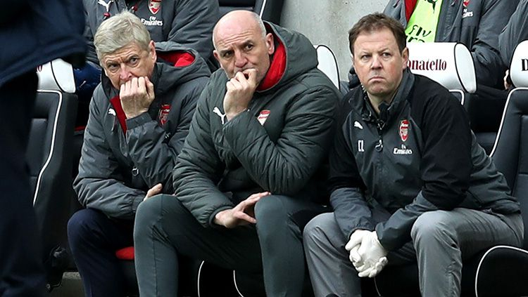 Ekspresi Arsene Wanger saat Arsenal kalah dari Brigton. Copyright: © INDOSPORT
