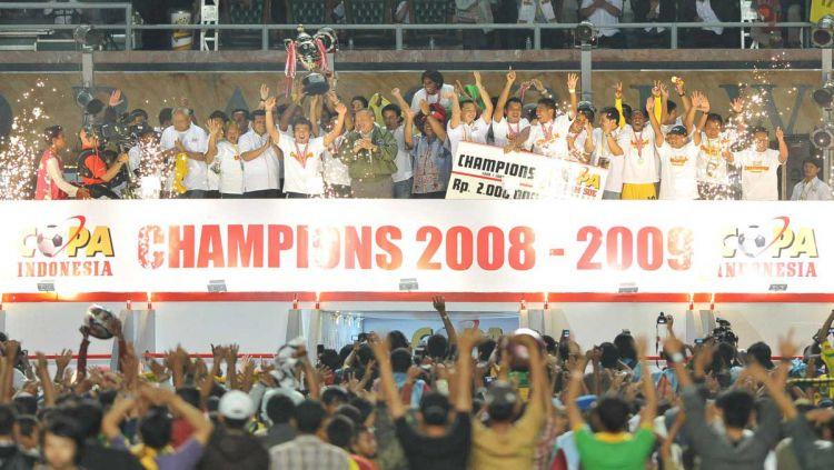 Sriwijaya sewaktu menjuarai Piala Indonesia yang bernama Coppa Dji Sam Soe Copyright: © Istimewa