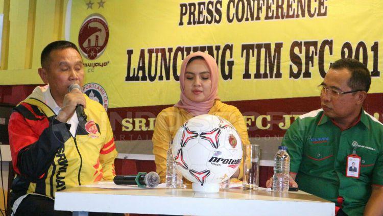Ucok Hidayat saat launching tim Sriwijaya FC Copyright: © Muhammad Effendi/INDOSPORT