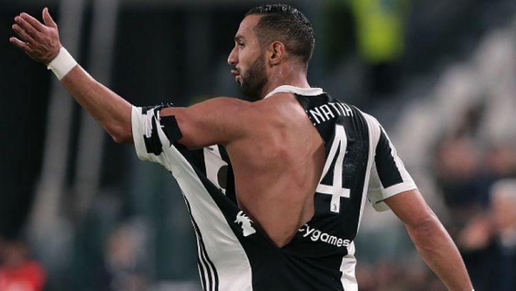 Medhi Benatia rayakan gol pertama kontra Roma. Copyright: © INDOSPORT