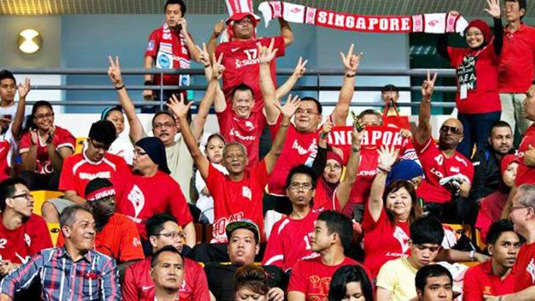 Pendukung Timnas Singapura. Copyright: © http://lionsxii.sg
