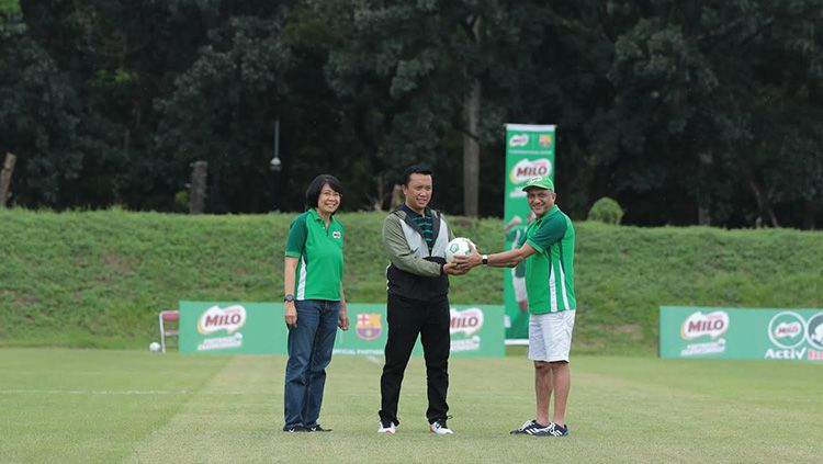 Menpora meresmikan Milo Fotball Championship bersama pihak Milo Copyright: © Milo Indonesia