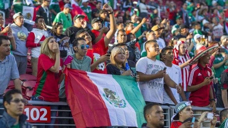 Suporter Meksiko Copyright: © San Francisco Chronicle