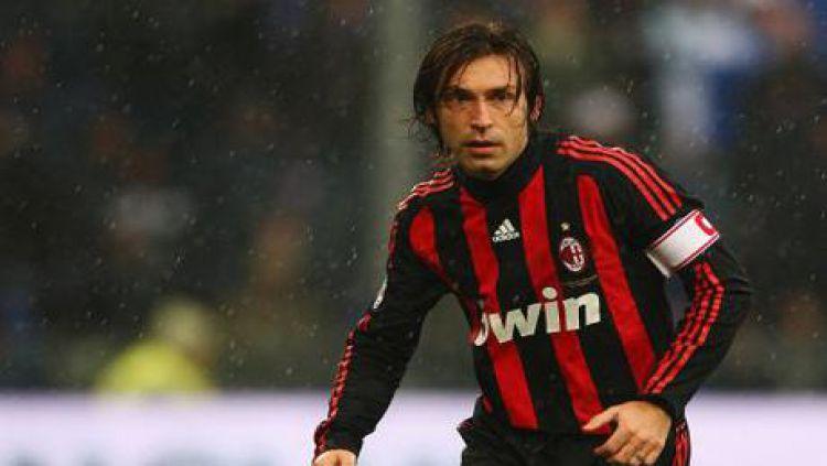Andrea Pirlo ketika berseragam AC Milan. Copyright: © telegraph.co.uk