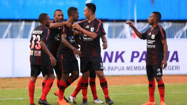 Aksi selebrasi pemain Persipura Jayapura. Copyright: © Twitter@Liga1Match