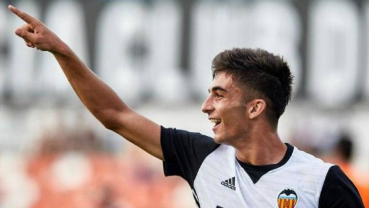 Raksasa sepak bola Serie A Liga Italia, Juventus, dikabarkan sedang melakukan negosiasi untuk mendatangkan pemain sayap Valencia yang bernama Ferran Torres. Copyright: © Getty Images