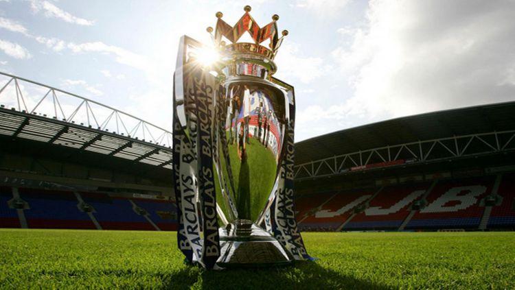 Trofi Liga Inggris Copyright: © mirror.co.uk