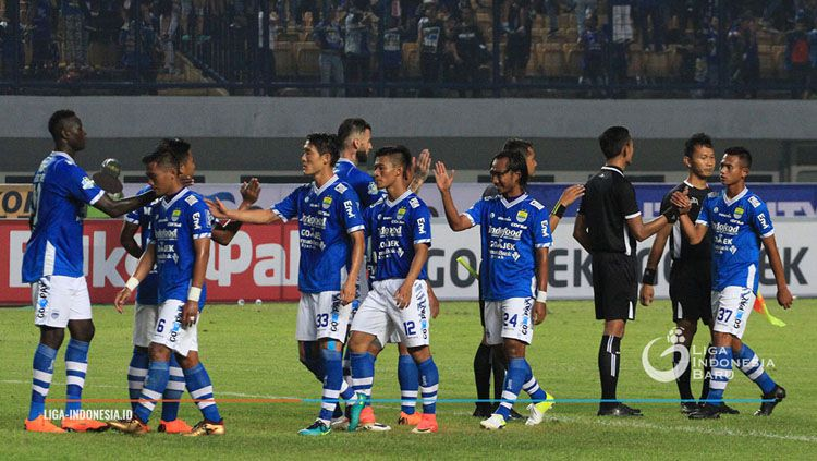 Persib Bandung setelah melawan PS TIRA. Copyright: © liga-indonesia.id