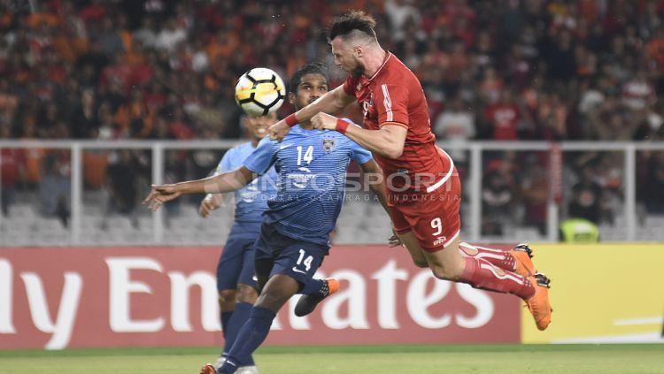 Gol pertama Marko Simic ke gawang JDT lewat sundulan. Copyright: © Herry Ibrahim/INDOSPORT