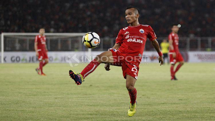 Riko Simanjuntak di laga melawan Borneo FC. Copyright: © INDOSPORT/Herry Ibrahim