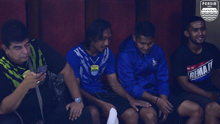Suasana ruang ganti pemain Persib Bandung di Stadion Kanjuruhan. Copyright: © Twitter @persib.