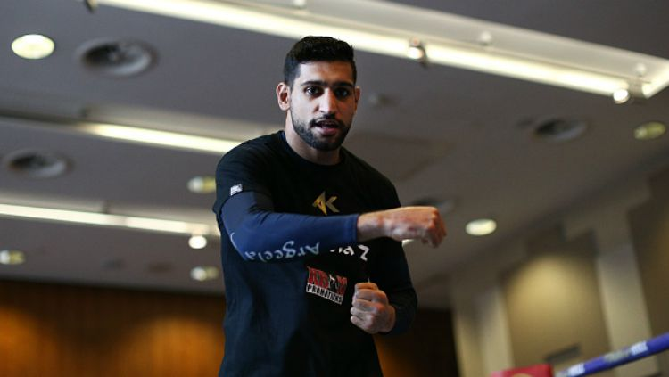 Amir Khan petinju asal Britania Raya ingin menantang. Copyright: © Getty Images