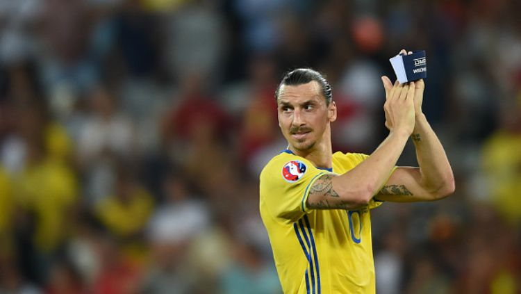 Zlatan Ibrahimovic saat membela Timnas Swedia. Copyright: © Getty Images