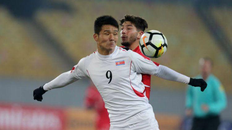 Striker Timnas Korea Utara, Kim Yu-song. Copyright: © Getty Images