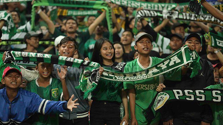 Bonek saat mendukung timnya Persebaya Surabaya. Copyright: © Media Persebaya