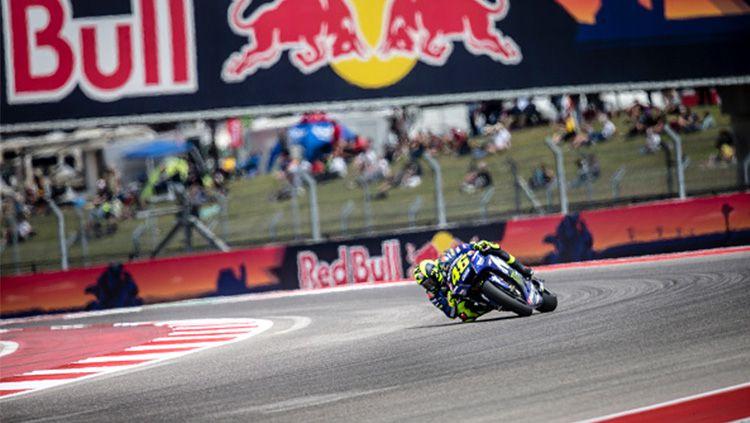 Valentino Rossi saat berada di lintasan balap. Copyright: © Getty Image