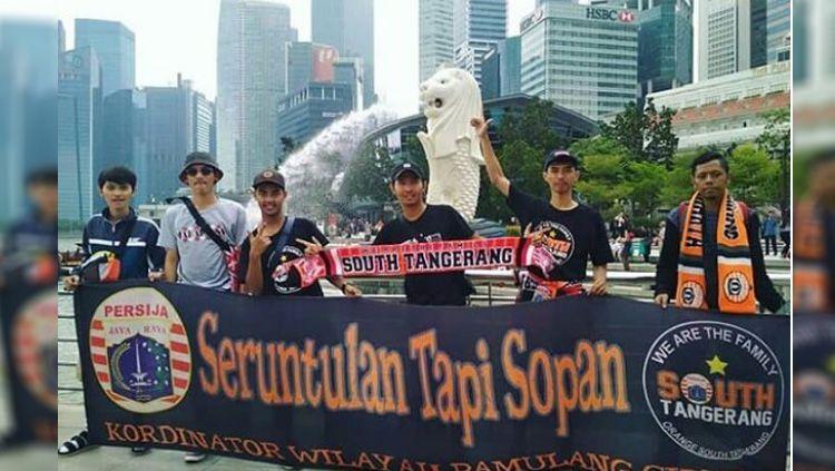 The Jakmania yang sudah di Singapura Copyright: © instagram@galerijakmania1928