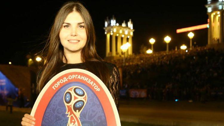 Larisa Ilchenko, duta Piala Dunia 2018 untuk Kota Volgograd. Copyright: © Instagram