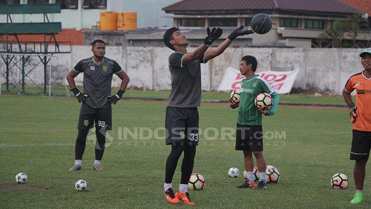 Persebaya Surabaya saat latihan. Copyright: © Fitra Herdian/INDOSPORT
