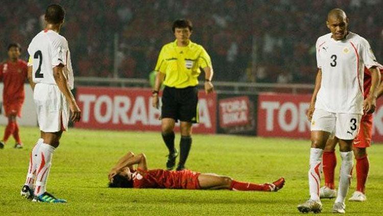 Timnas Indonesia kala dibungkam Bahrain 10-0 di Kualifikasi Piala Dunia 2014. Copyright: © Getty Images