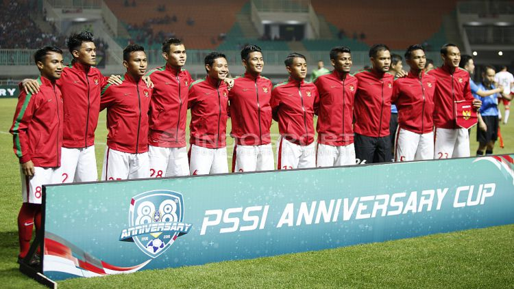 Skuat Timnas Indonesia saat melawan Bahrain di ajang Anniversary Cup 2018. Copyright: © Herry Ibrahim/INDOSPORT