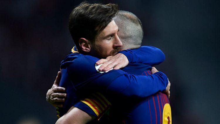 Lionel Messi bisa saja bertahan di raksasa LaLiga Spanyol, Barcelona dan itu berkat Pedri, pemain titisan Andres Iniesta. Copyright: © Getty Images