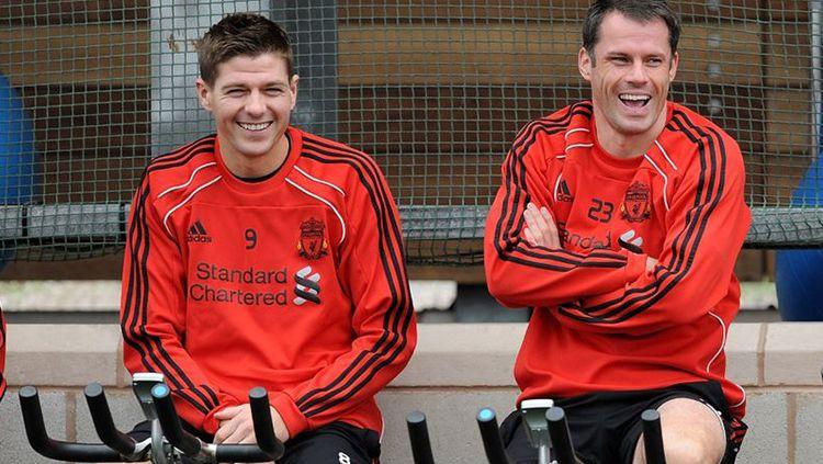 Kebersamaan Jamie Carragher dan Steven Gerrard saat di Liverpool. Copyright: © INDOSPORT
