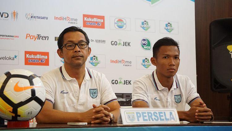 Persela Lamongan mendapatkan kabar yang kurang baik pada akhir Juni 2019 lantaran Aji Santoso mundur dari kursi pelatih. Copyright: © Fitra Herdian/INDOSPORT