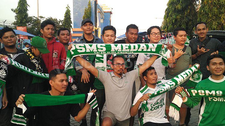 Suporter PSMS Medan atau Smeck. Copyright: © Fitra Herdian/INDOSPORT