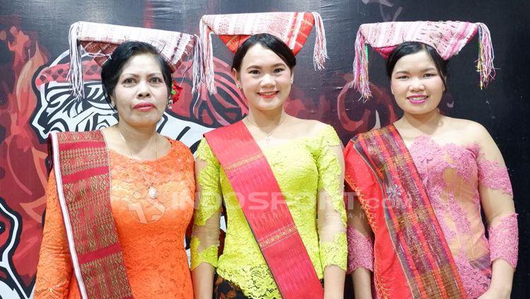 Pakaian adat Medan siap ramaikan pertarungan Mixed Martial Arts. Copyright: © Alfia Nurul Fadilla/INDOSPORT