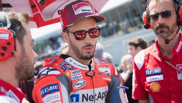 Andrea Dovizioso dikabarkan bakal mendepak posisi Jorge Lorenzo sebagai test rider atau pembalap penguji Yamaha pada MotoGP 2021. Copyright: © INDOSPORT
