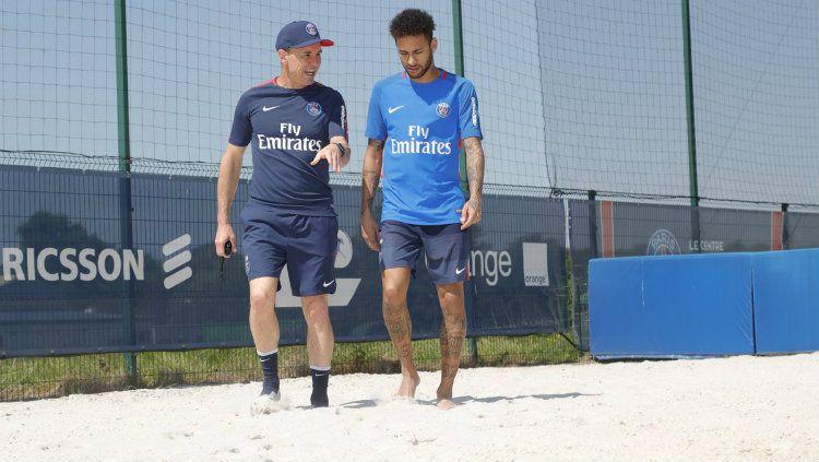Neymar kembali berlatih di PSG Copyright: © twitter.com/psg_english