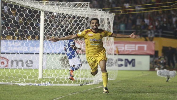 Manuchekhr Dzhalilov saat membela Sriwijaya FC. Copyright: © Antara