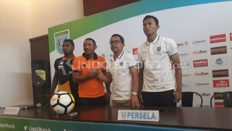 Konferensi pers jelang Persela vs Perseru. Copyright: © Fitra Herdian/INDOSPORT