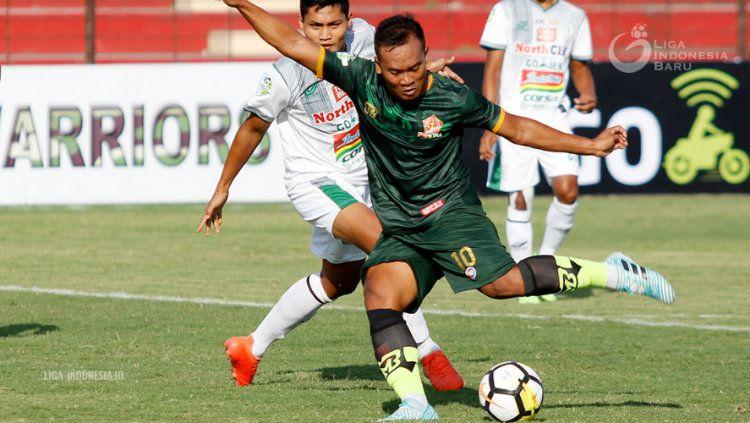 PS TIRA vs PSMS Medan. Copyright: © Liga 1 Indonesia