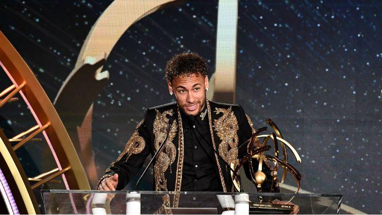 Neymar raih penghargaan Pemain Terbaik Ligue 1. Copyright: © Twitter/PSG