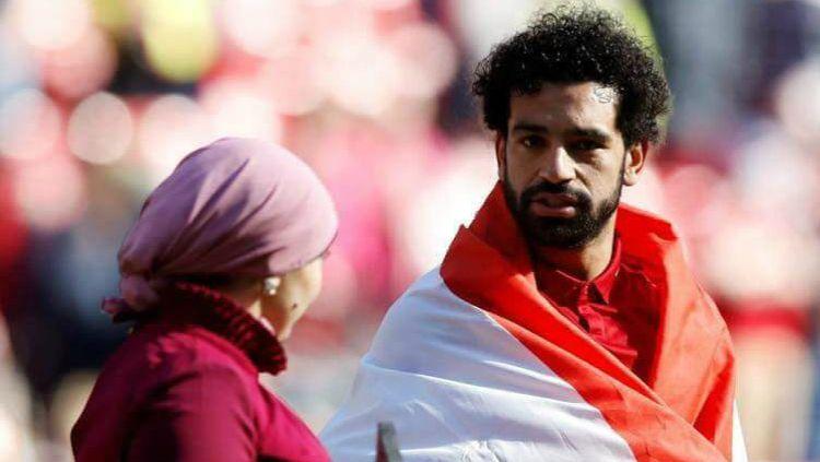 Mohamed Salah dan sang istri. Copyright: © Twitter/Shaimaa Khalil