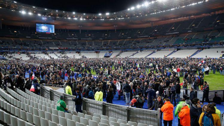 Teror bom di Prancis, 2015 lalu. Copyright: © INDOSPORT