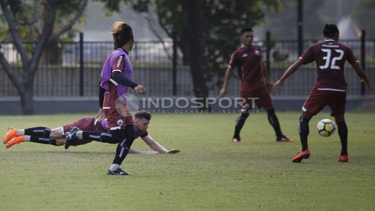Suasana latihan pemain Persija Jakarta. Copyright: © Herry Ibrahim/INDOSPORT.COM
