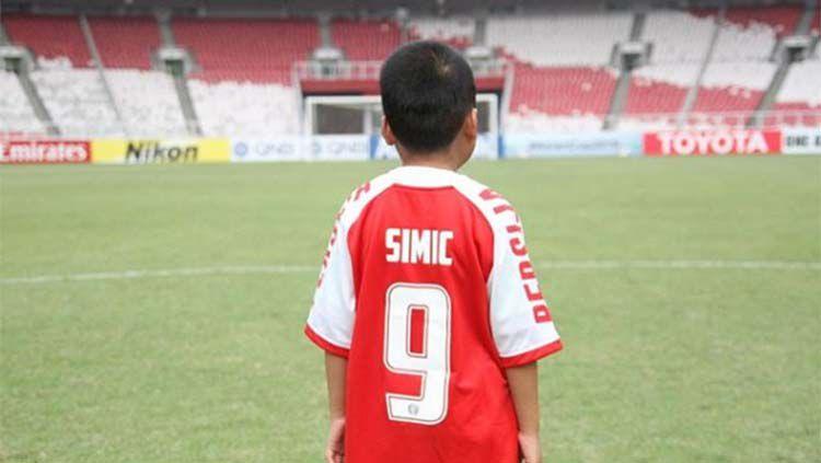 Dimas saat mengenakan jersey Simic. Copyright: © instagram/@lestarisciucatti