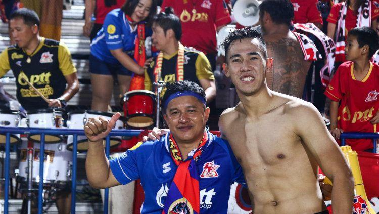 Pemain PTT Rayong Ryuji Utomo. Copyright: © Ofisial PTT Rayong