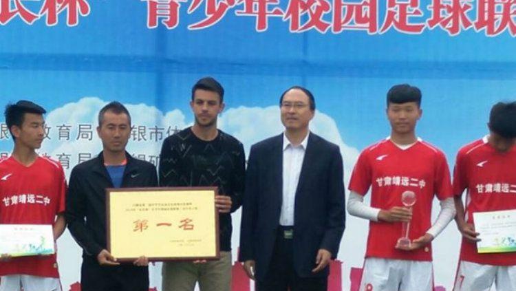 Carlos Raul Sciucatti menjadi pelatih di China. Copyright: © Instagram/@lestarisciucatti