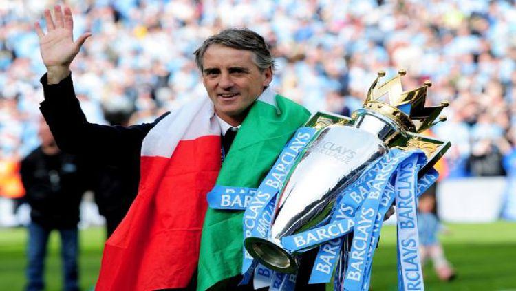 Roberto Mancini diperkenalkan sebagai pelatih Italia. Copyright: © Twitter@FIGC