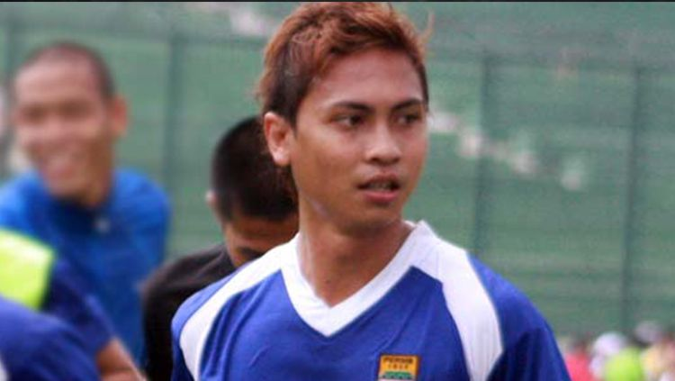 Pemain Home United, Shahril Ishak (kiri). Copyright: © Alchetron