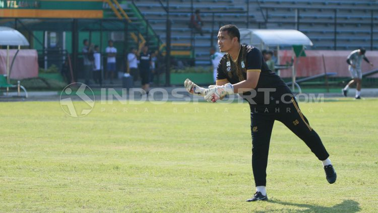 Sahari Gultom, pelatih kiper PSMS Medan. Copyright: © Kesuma Ramadhan/INDOSPORT